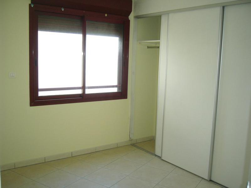 Rental apartment St denis 750€ CC - Picture 6