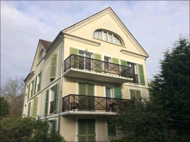Rental apartment Yerres 785€ CC - Picture 1