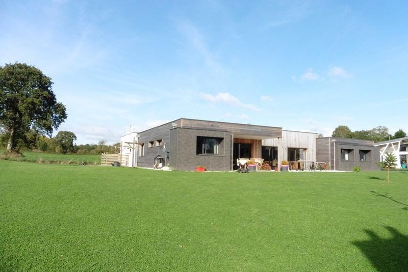 Sale house / villa Coutances 395000€ - Picture 1