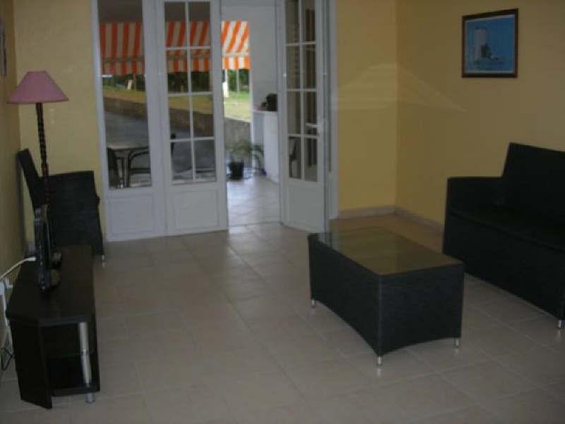 Rental apartment Ste anne 580€ +CH - Picture 1