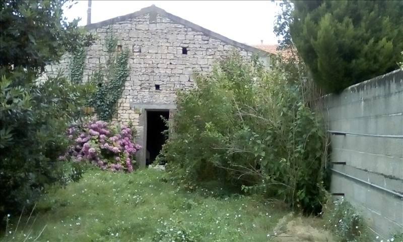 Sale house / villa Fontenay le comte 49500€ - Picture 5