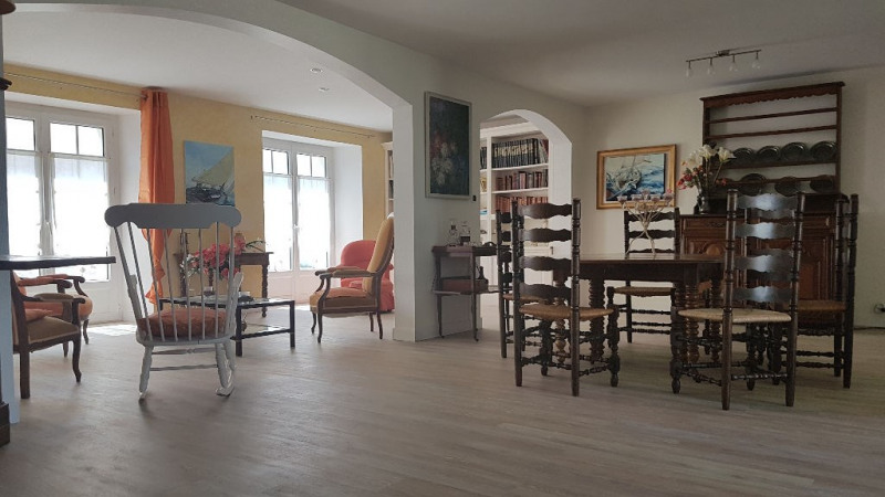 Deluxe sale house / villa Marsilly 585000€ - Picture 2