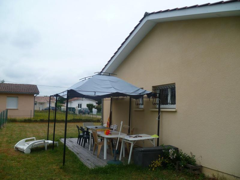 Location maison / villa Saint-morillon 800€ CC - Photo 2