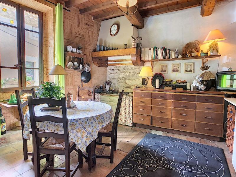 Revenda casa Rochefort du gard 237000€ - Fotografia 2