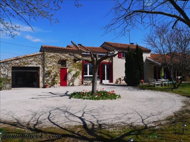 Sale house / villa Monbalen 181000€ - Picture 1