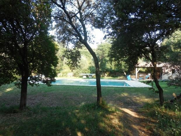 adorable maison dans mas provençal charmant, loin du bruit, en pleine nature, avec toutes commodi...