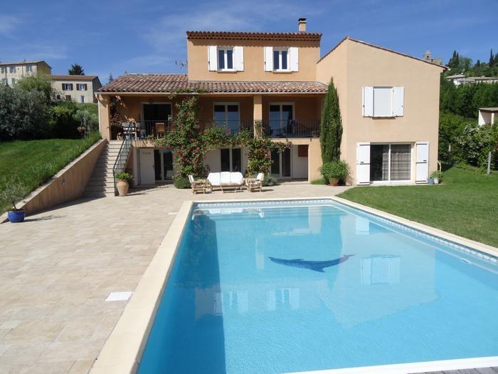 Villa et piscine côté sud
