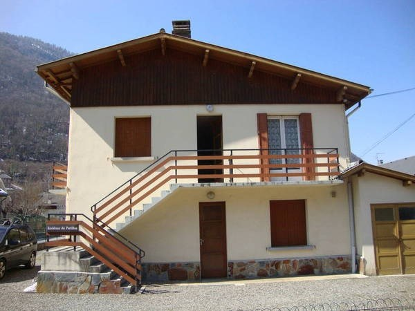 Location vacances Saint-Mamet -  Appartement - 4 personnes - Cour - Photo N° 1