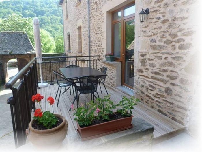 Location vacances Belcastel -  Maison - 4 personnes - Barbecue - Photo N° 1
