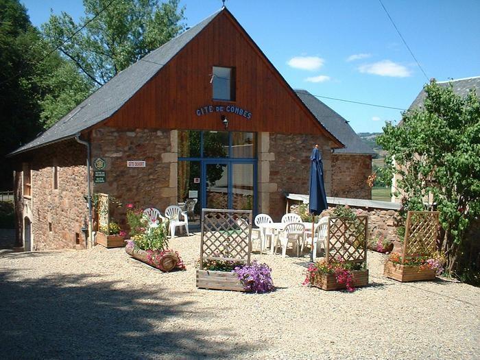 Location vacances Saint-Côme-d'Olt -  Maison - 23 personnes - Barbecue - Photo N° 1