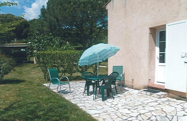 Location vacances Grimaud -  Appartement - 3 personnes - Jardin - Photo N° 1