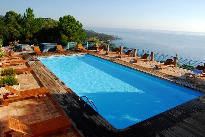 la piscine chauffée panoramique