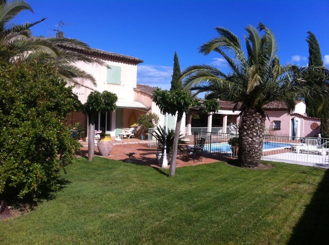 Golfe ST TROPEZ- GRIMAUD - Villa 200 m² - 8 Personnes - 4 Chambres - Piscine  - 2 km mer