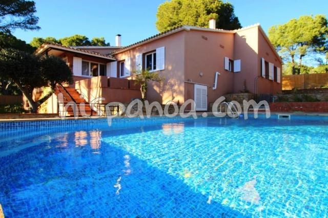 A louer villa pour 12 personnes à 800m de la plage à L'Escala |XPM189