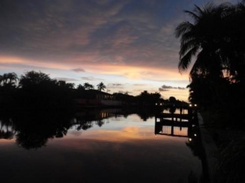 Couché de soleil sur le canal