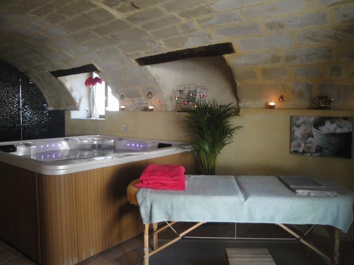Le spa et la table de massage