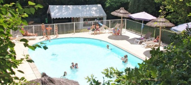 Camping Coeur d'Ardèche - Mobil-home 6/8 places (3 Chambres + 1 banquette transformable)