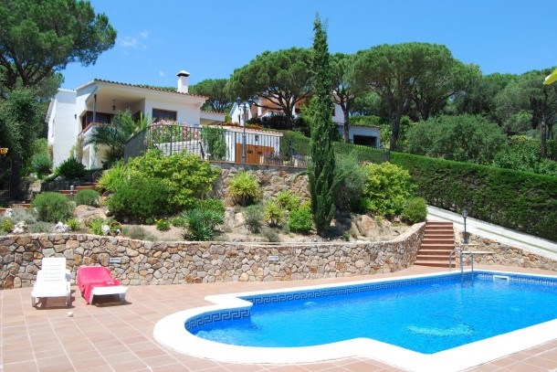 Location vacances Tordera -  Maison - 6 personnes - Barbecue - Photo N° 1