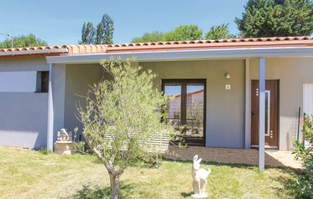 Location vacances Charols -  Maison - 6 personnes - Barbecue - Photo N° 1
