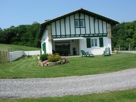 Holiday rentals Saint-Pée-sur-Nivelle - House - 8 persons - BBQ - Photo N° 1