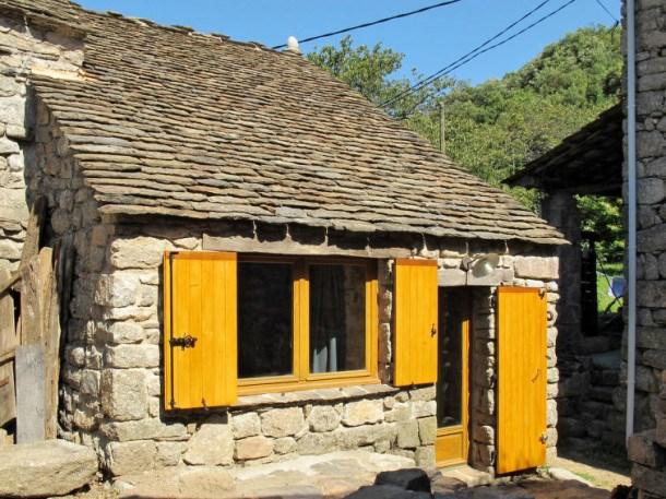 Location vacances Les Vans -  Maison - 3 personnes - Barbecue - Photo N° 1