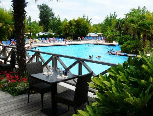 Location vacances Mézos -  Maison - 6 personnes - Salon de jardin - Photo N° 1