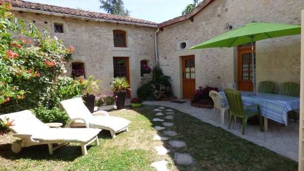 Location vacances Saint-Martin-de-Sanzay -  Gite - 4 personnes - Barbecue - Photo N° 1