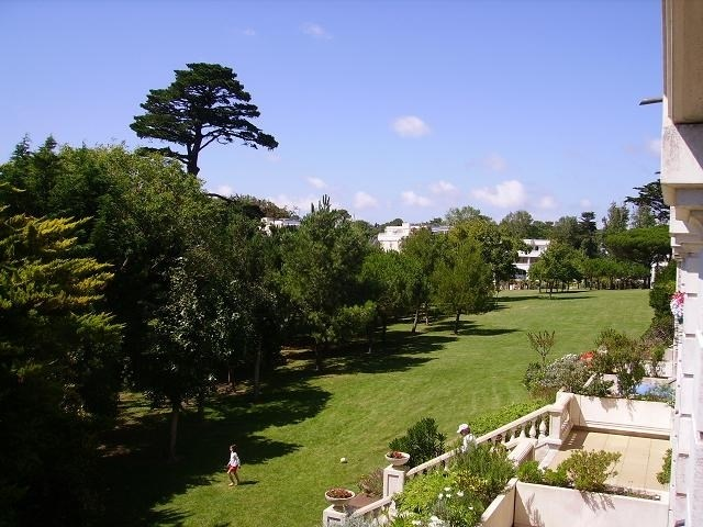 vue du parc depuis le balcon