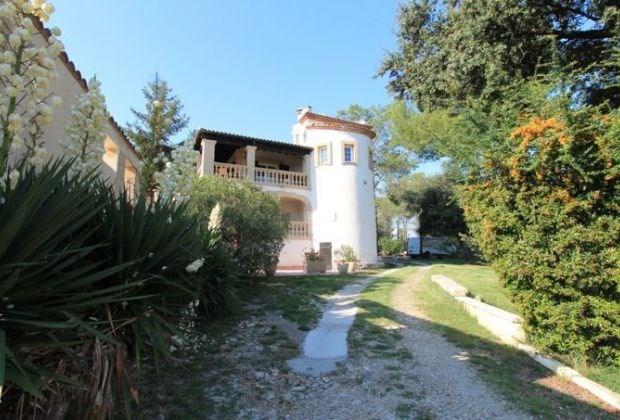 Lydia est une belle maison de vacances, située au calme dans un quartier résidentiel de Langlade (Nîmes).