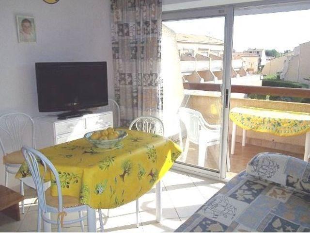 Location saisonnière : 2 pièces mezzanine 4 à 6 couchages au deuxième et dernier étage, dans rési...