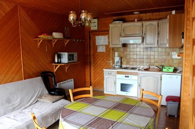 Location vacances Chastreix -  Appartement - 6 personnes - Salon de jardin - Photo N° 1