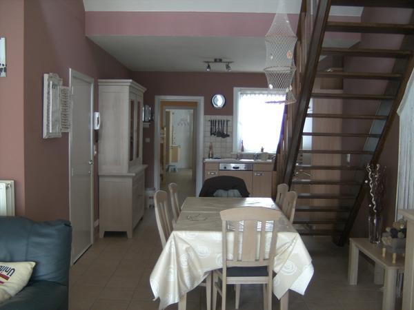 zeer ruim appartement met comfort enkele meters van zeedijk