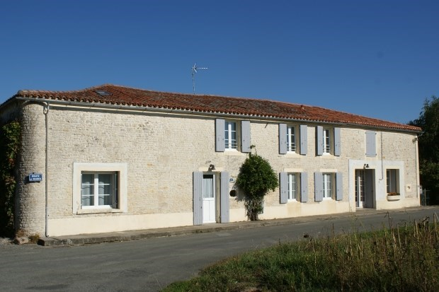 Lodging for 6 people close to the Small rock - Surgères