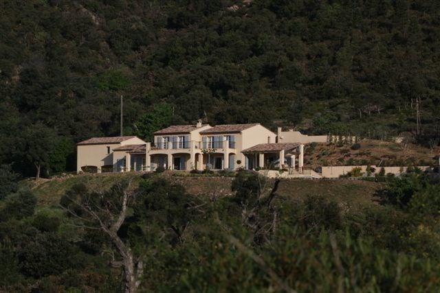 Villa Carrera est une luxueuse maison de vacances au milieu de la nature tout en étant pas loin de la mer, située à P...