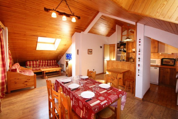 Location vacances Champagny-en-Vanoise -  Appartement - 8 personnes - Télévision - Photo N° 1