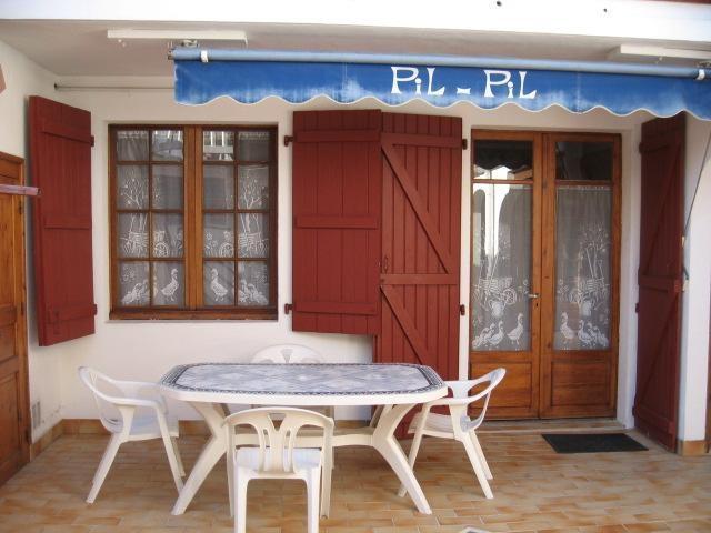 Location vacances Saint-Jean-de-Luz -  Appartement - 4 personnes - Salon de jardin - Photo N° 1