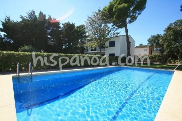 Location vacances Palafrugell -  Maison - 12 personnes - Salon de jardin - Photo N° 1