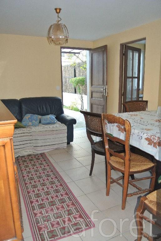 vente maison 4 pi ces noisy le grand maison maison. Black Bedroom Furniture Sets. Home Design Ideas