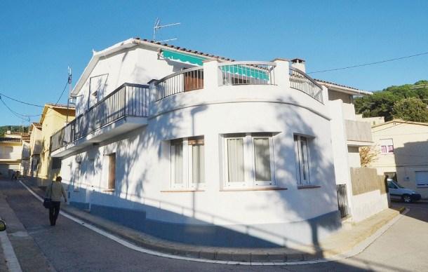 Location vacances Sant Andreu de Llavaneres -  Maison - 6 personnes - Barbecue - Photo N° 1