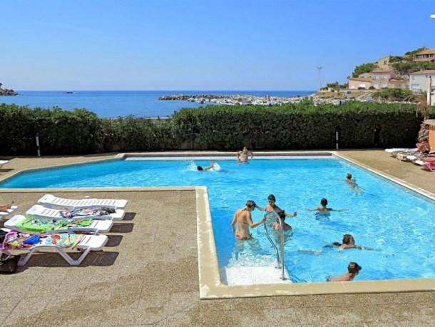 Location vacances Martigues -  Maison - 4 personnes - Salon de jardin - Photo N° 1
