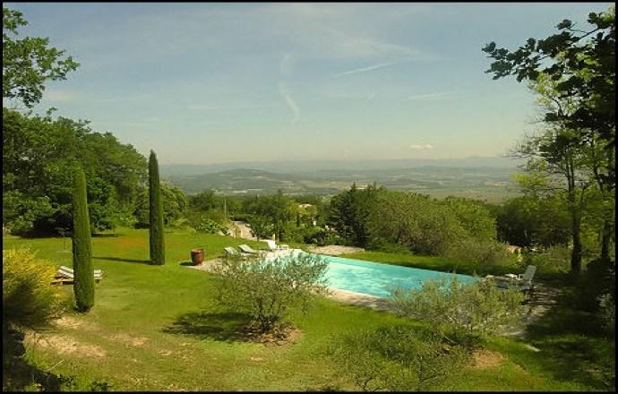 4 chambres d'hôtes de charme à Lacoste en Luberon