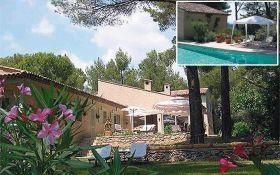 Location vacances Flayosc -  Chambre d'hôtes - 8 personnes - Salon de jardin - Photo N° 1