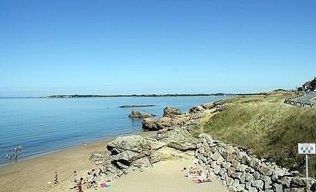 Nombreuses plages à moins de 10 Kms
