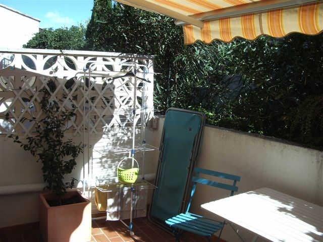 Résidence le Vaccarès III (K2) Avenue des Massoucles, studio au rez-de-chaussée de 37 m² pour 4 personnes avec cour p...