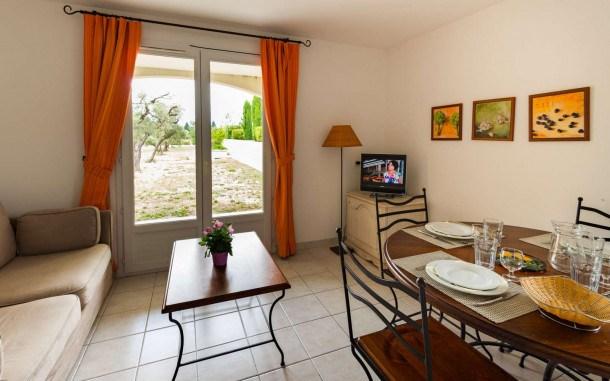 Location vacances Paradou -  Appartement - 6 personnes - Télévision - Photo N° 1