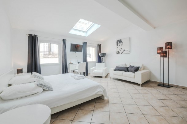 Wonderful 2 bedrooms right in the heart of Cannes