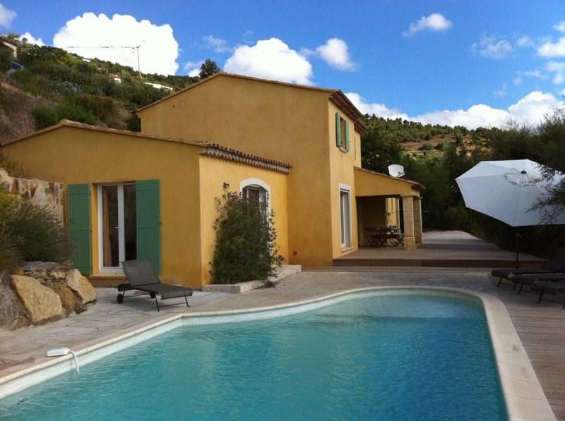 Villa pour 8 personnes avec piscine.
