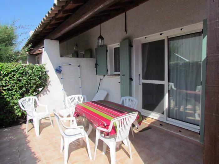 Alquileres de vacaciones Saintes-Maries-de-la-Mer - Apartamento - 4 personas - Mueble de jardín - Foto N° 1