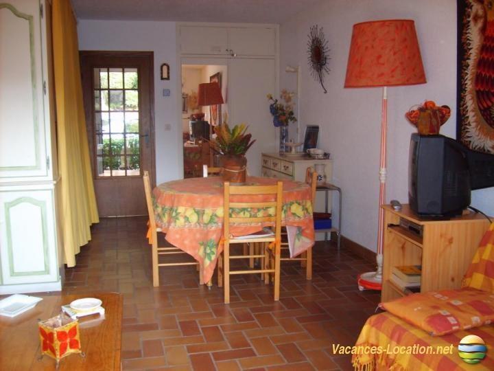 Location vacances Saint-Raphaël -  Appartement - 6 personnes - Chaise longue - Photo N° 1
