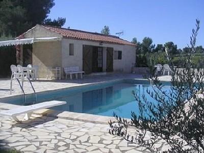 La maisonnette et sa piscine